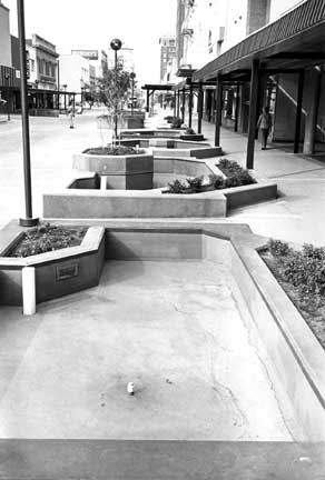 Austin Avenue's Ill-fated pedestrian mall never caught on